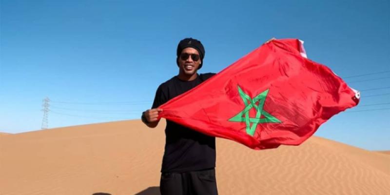 Ronaldinho dan Bendera Maroko di Sahara