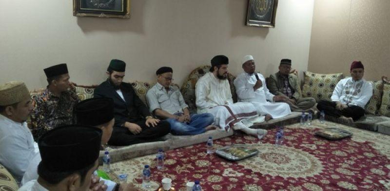 Pesan Syeikh Aziz: Seorang Muslim Tidak Cukup Saleh, Tapi Juga Muslih